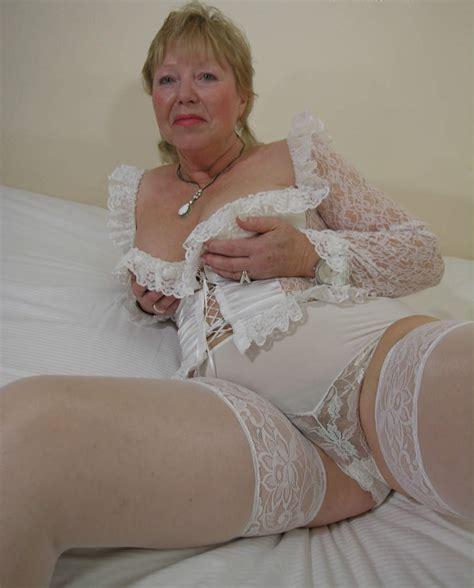 Mom mature album jpg 825x1024