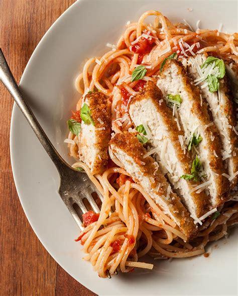 Easy lemon pasta with chicken recipe the neelys food jpg 640x794