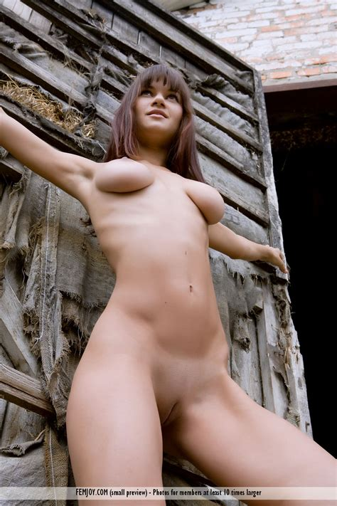 Farm nude galleries jpg 800x1200
